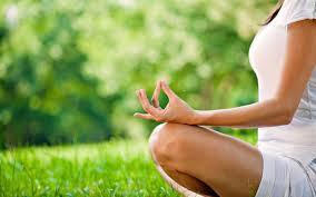 femme en meditation